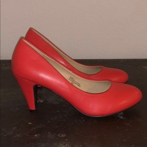 Women's cute heels coral-ish color 8.5